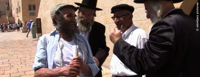 Chaim Lubelski mit Rabbinern.