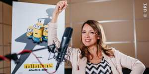 Carolin Kebekus im Synchronstudio bei den Aufnahmen zu Die Minions, FILM.TV
