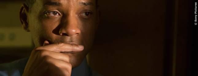 Will Smith macht als Dr. Omalu eine erschütternde Entdeckung. Anfangs zweifelt er noch, wie er damit umgehen soll.
