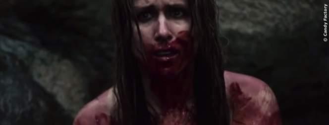 Grace schlägt sich alleine durch einen Wald, in dem die Dämonen der Vergangenheit auf sie warten.