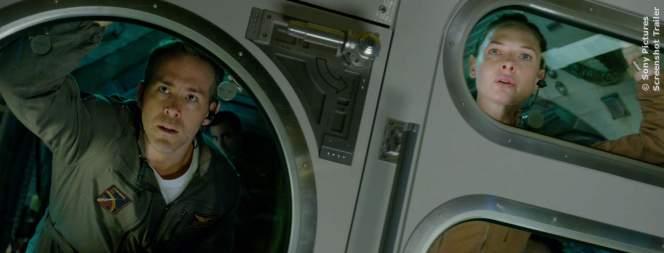 Ryan Reynolds und Rebecca Ferguson im Sci-Fi Thriller Life