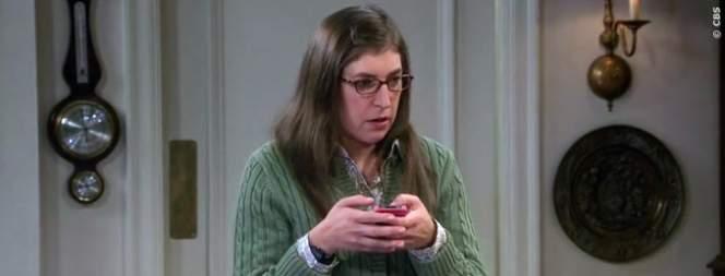 Amys Handy Fail in The Big Bang Theory