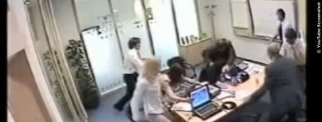 Video: Stress im Büro eskaliert