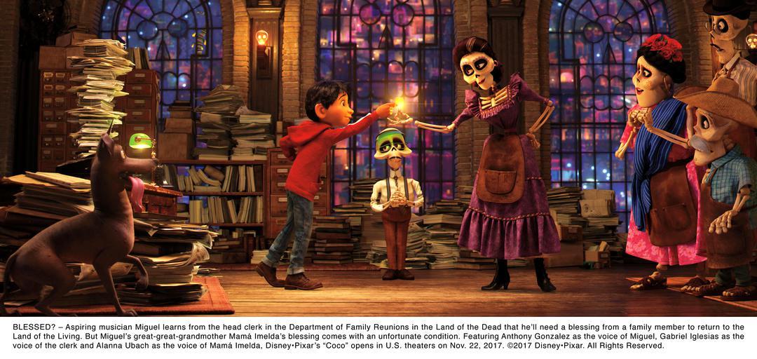Claudio Pizarro übernimmt Synchronrolle im Disney Weihnachtsfilm Coco - Bild 1 von 6