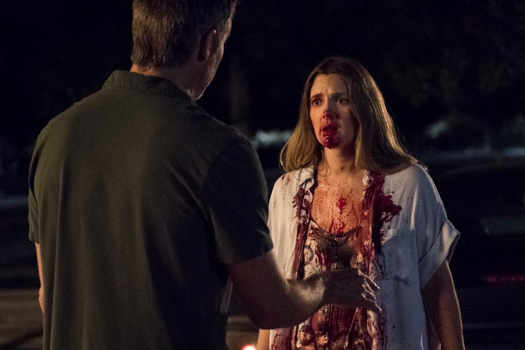 Santa Clarita Diet: Trailer zur Comedy-Horror-Serie mit Drew Barrymore - Bild 1 von 15